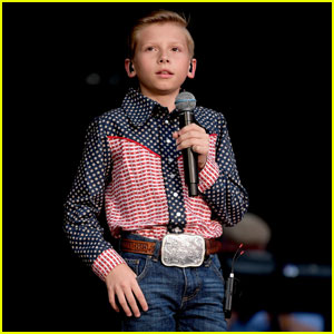 Mason Ramsey Takes the Stage at CMA Music Fest!