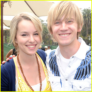 Bridgit Mendler & Jason Dolley Gave 'Good Luck Charlie' Reunion on a Hike