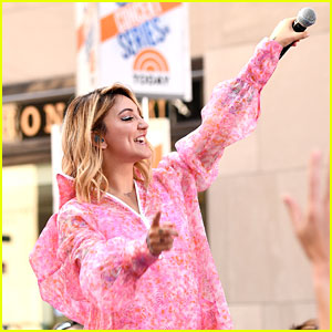 Julia Michaels is Pretty in Pink for Her 'Today' Show Concert