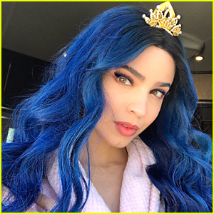 Sofia Carson Says Goodbye To Evie & 'Descendants 3' In Touching Instagram Letter