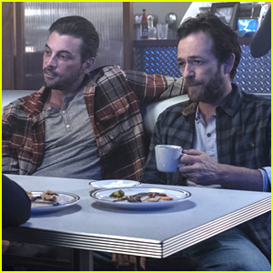 'Riverdale's Luke Perry & Skeet Ulrich Reveal More About That Flashback Episode
