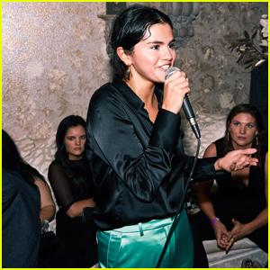 Selena Gomez & Her Gal Pals Jet to Vegas For Jennifer Lopez's Las Vegas Residency