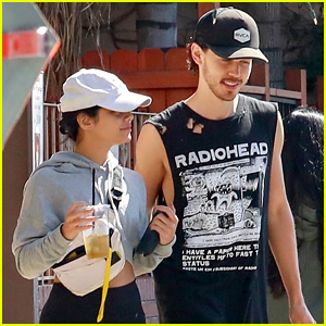 Vanessa Hudgens & Austin Butler Get In a Couples Workout!
