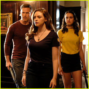 Hope's Relationship With Josie & Lizzie Will Change During Tonight's 'Legacies'
