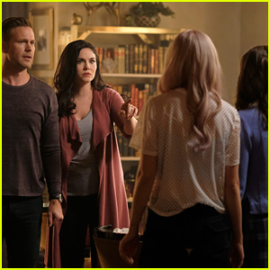 Josie & Lizzie's Biological Mom Jo Returns To 'TVD' Universe on 'Legacies'