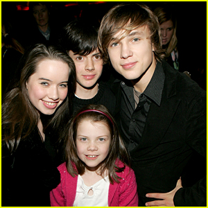Georgie Henley Reunites With 'Narnia' Siblings William Moseley, Skandar Keynes & Anna Popplewell - See The Pic!