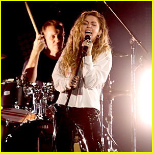 Miley Cyrus Sings at Tribute Concert in Honor of Chris Cornell - Watch Now!