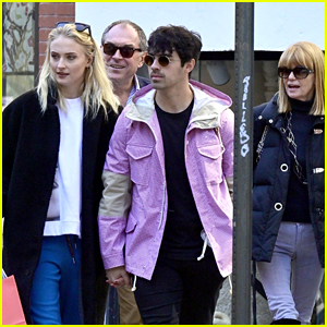 Sophie Turner's Parents Join Her & Fiance Joe Jonas for Lunch!