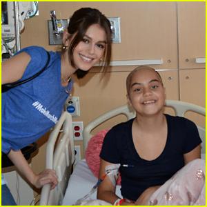 Kaia Gerber, Rowan Blanchard, & Skai Jackson Visit Patients at Children's Hospital LA