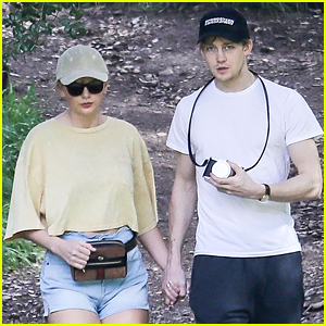 Taylor Swift Goes Hiking with Boyfriend Joe Alwyn