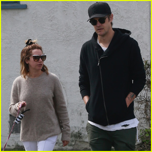 Ashley Tisdale & Hubby Christopher French Couple Up For Breakfast Date