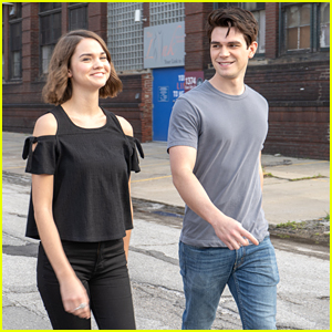 'The Last Summer's KJ Apa & Maia Mitchell Reveal They Had 'Immediate' Chemistry