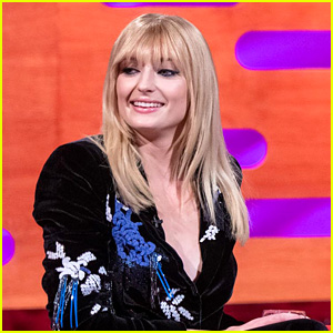 Sophie Turner Sports Bangs For 'Graham Norton Show' Appearance