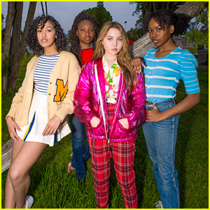 Ella Anderson & Riele Downs Attend 'Goonies' Cinespia Screening With Pals