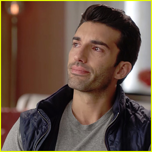 Justin Baldoni Tears Up Talking About The End of 'Jane The Virgin'
