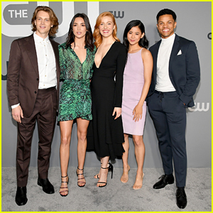 'Nancy Drew' Stars Reveal That the CW Series Is a 'Different Imagining' of the Classic Books!