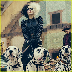 Emma Stone Looks Incredible as Cruella de Vil!