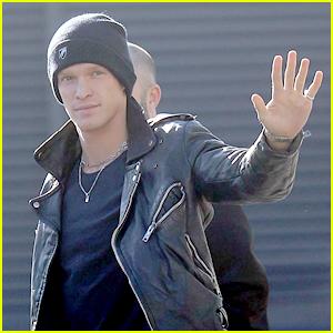 Cody Simpson Celebrates His Big Reveal As Winner of 'Masked Singer Australia'