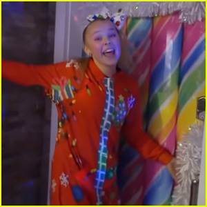 JoJo Siwa Kicks Off Holiday Season With Christmas House Tour - Watch!