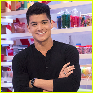 Alex Wassabi Will Guest Judge on Nickelodeon's 'Top Elf' - See The First Look Clip!