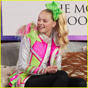 JoJo Siwa Brings the Bows to the Kelly Clarkson Show!