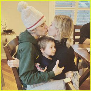 Justin & Hailey Bieber Share Their Sweet Christmas Photos!