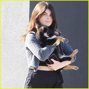 Bella Giannulli Steps Out With New Puppy During Shopping Trip