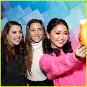 Lana Condor, Aly Raisman, & Beanie Feldstein Celebrate Launch of Their #AerieReal Campaign