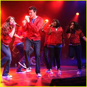 This 'Glee' Star Just Got Engaged!!