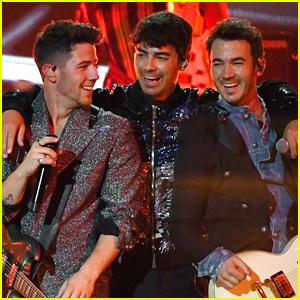 Jonas Brothers React To Winning 3 Billboard Music Awards 2020