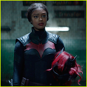Javicia Leslie Joins 'Batwoman' Co-Stars In New Season 2 Premiere Images!