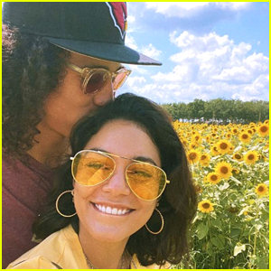 Vanessa Hudgens Details Meeting BF Cole Tucker On Zoom & Sliding Into His DMs