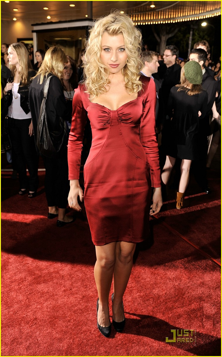 alyson michalka twilight premiere 01