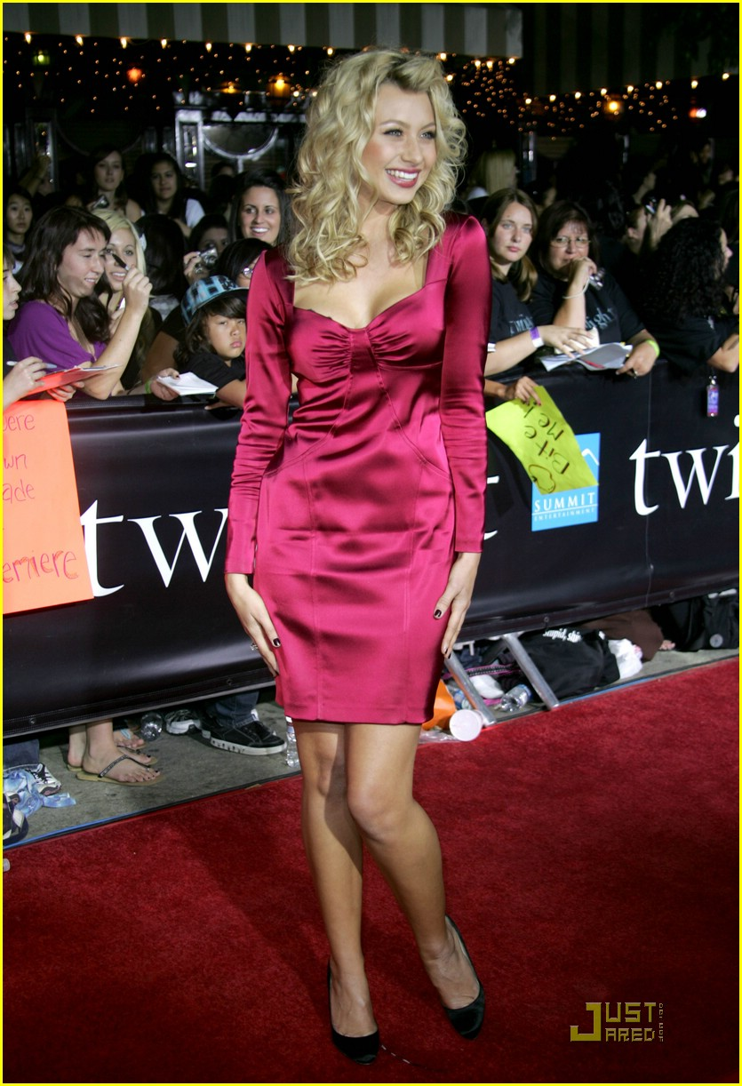 alyson michalka twilight premiere 07