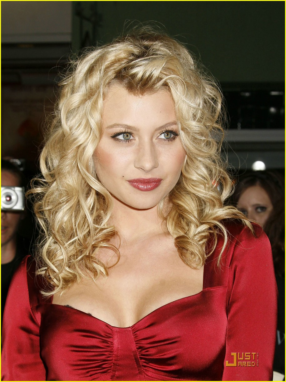 alyson michalka twilight premiere 12