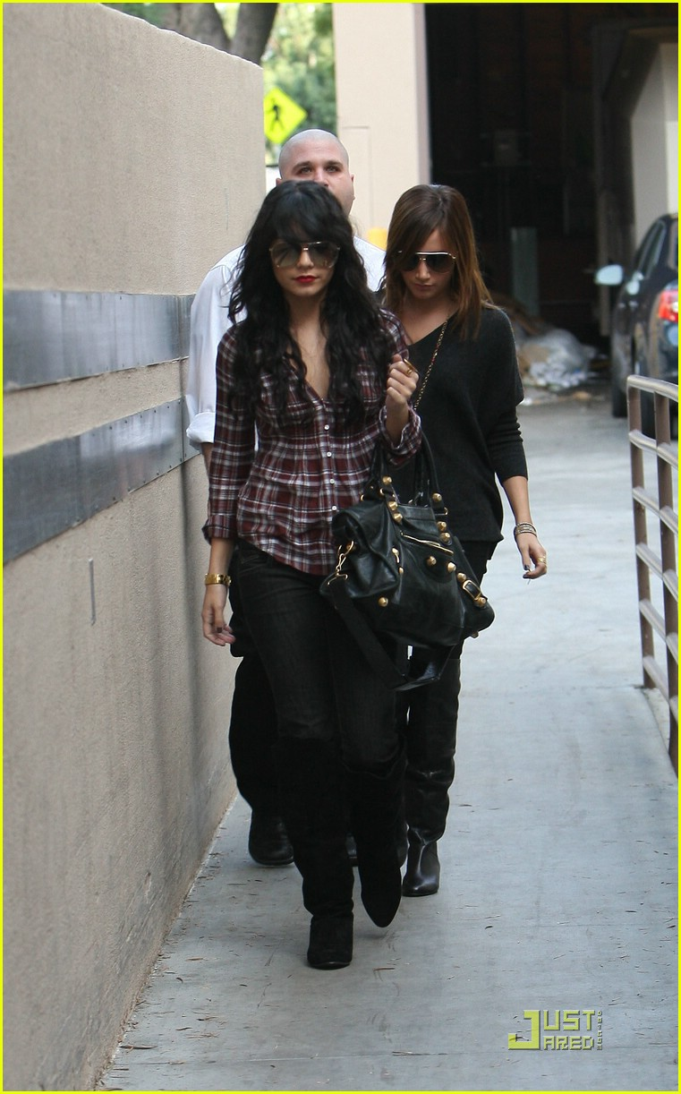 vanessa hudgens plaid 17