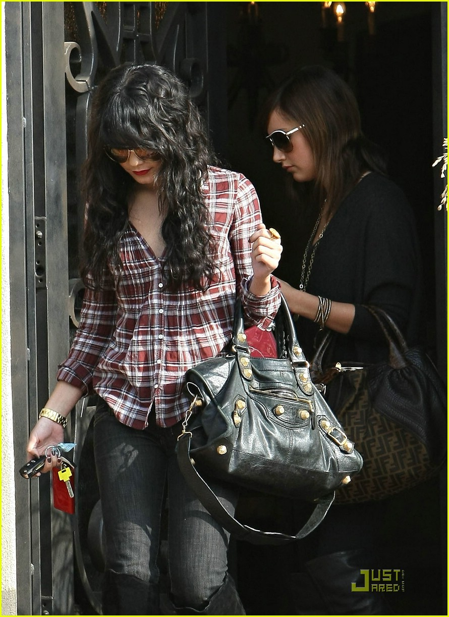 vanessa hudgens plaid 32