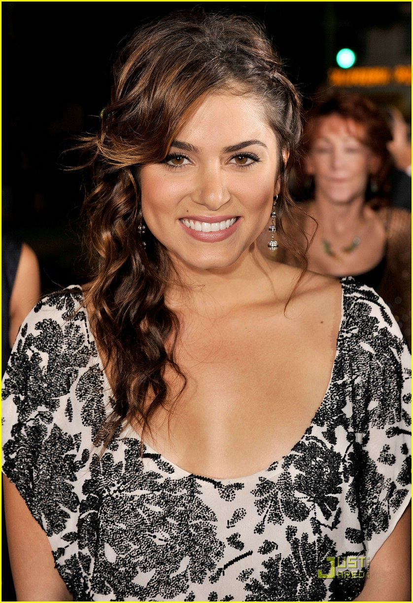 nikki reed twilight premiere 05