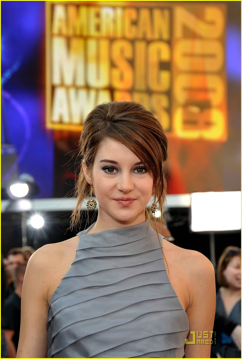 shailene woodley ama awards 12
