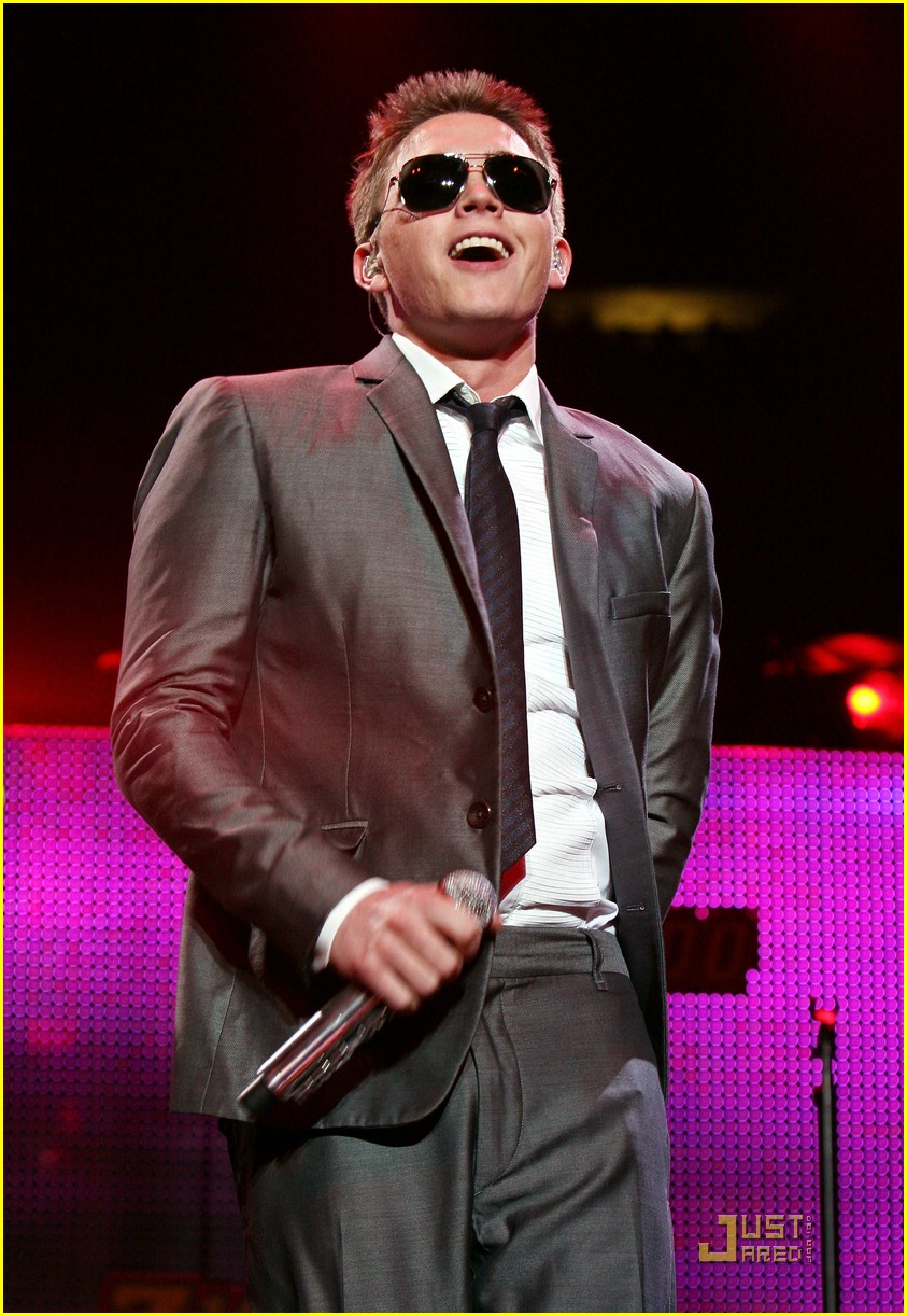 jesse mccartney z100 jingle ball 17