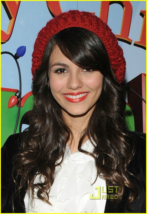 victoria justice premire merry 01