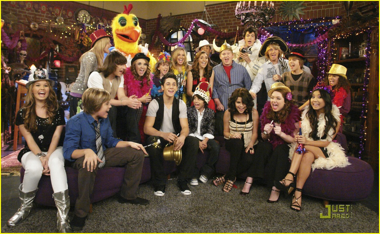 wizards waverly place totally new year 09