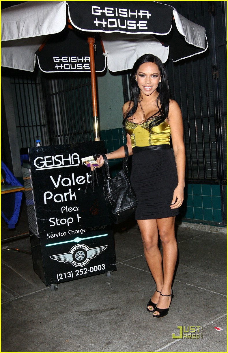 adrienne bailon xbox party 08