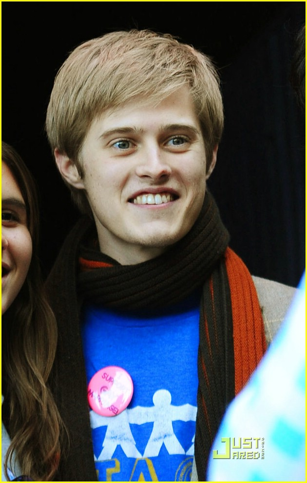 lucas grabeel sundance star bar 01