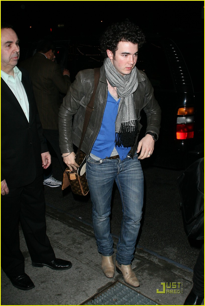 jonas brothers manhattan hotel 09