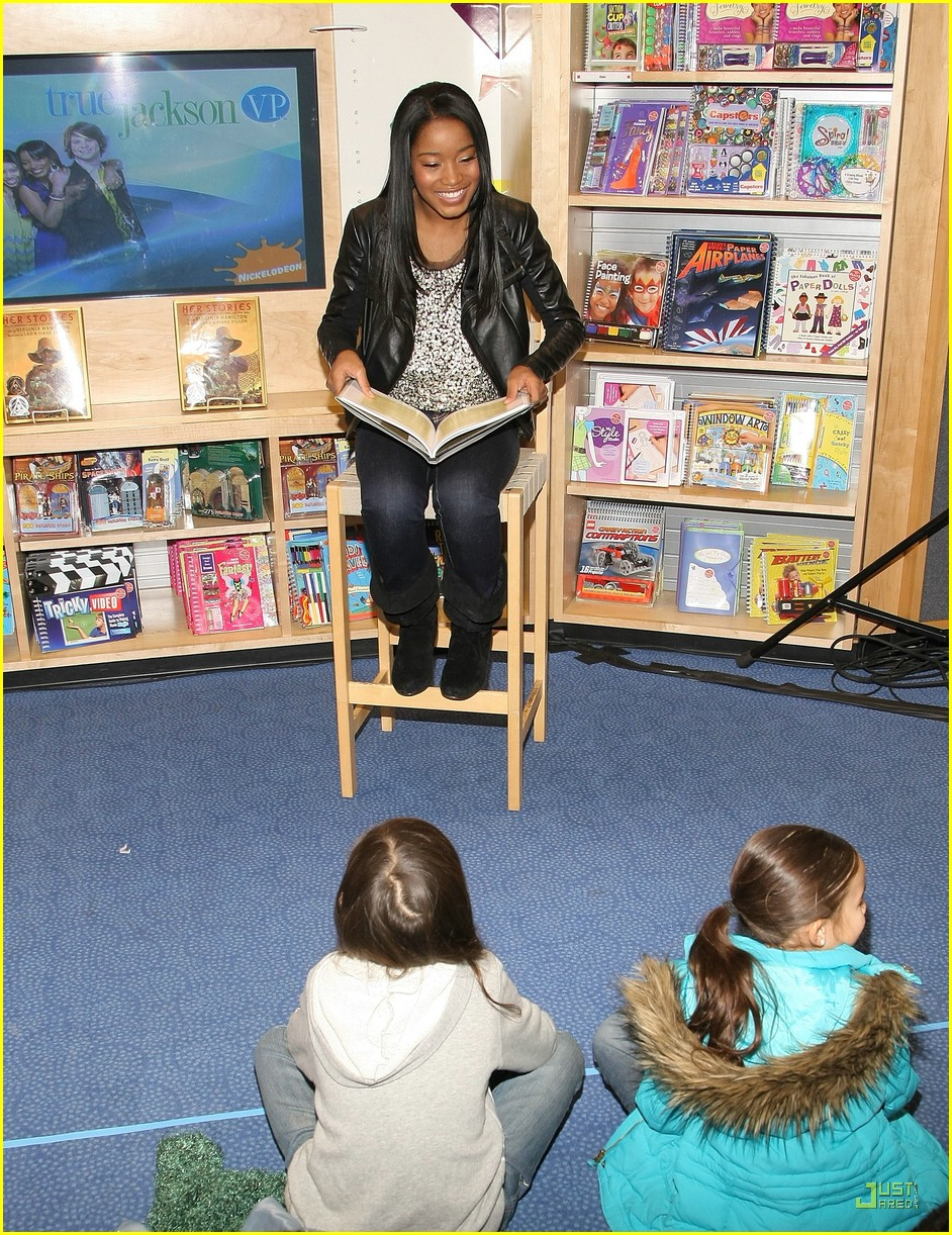 keke palmer scholastic store 29