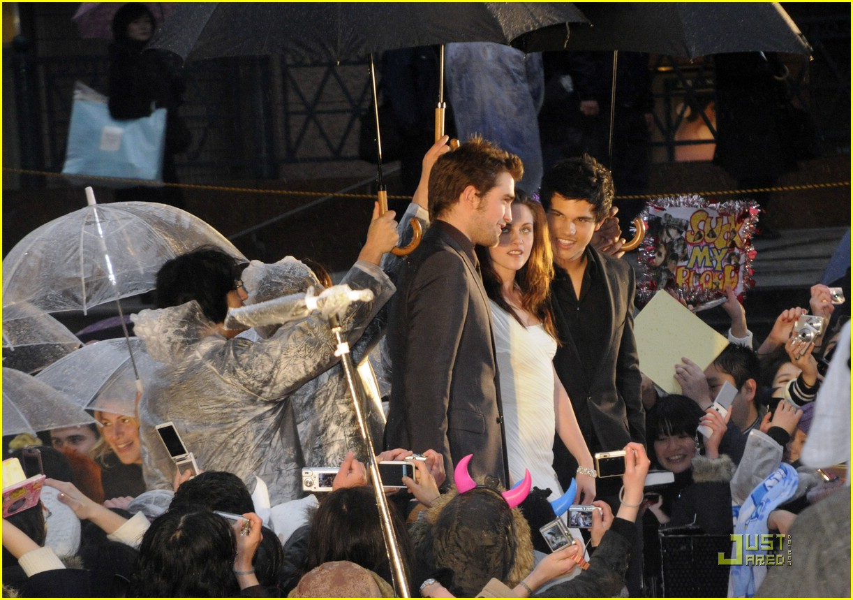 kristen stewart rob pattinson taylor lautner tokyo 10