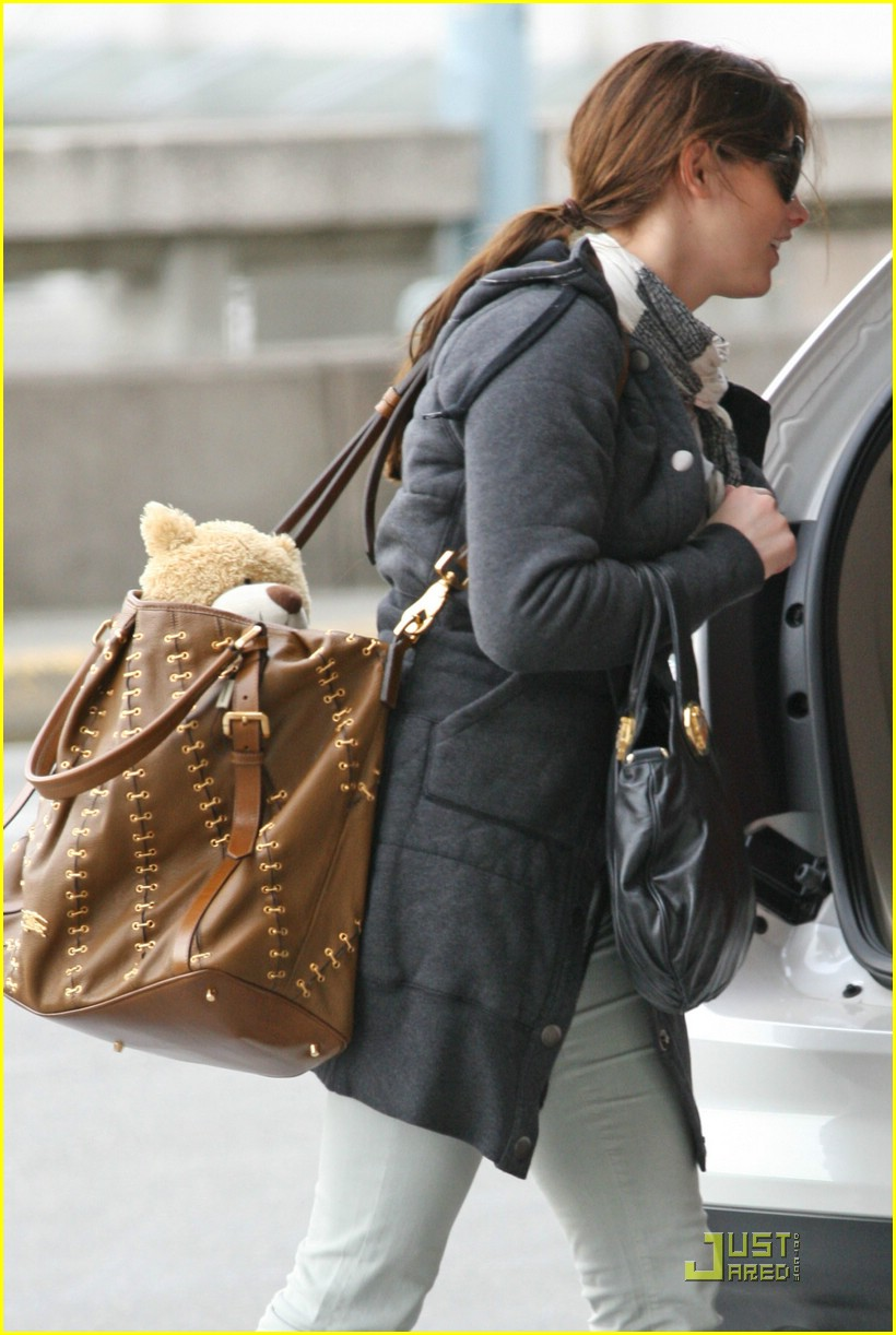 ashley greene travel teddy 05