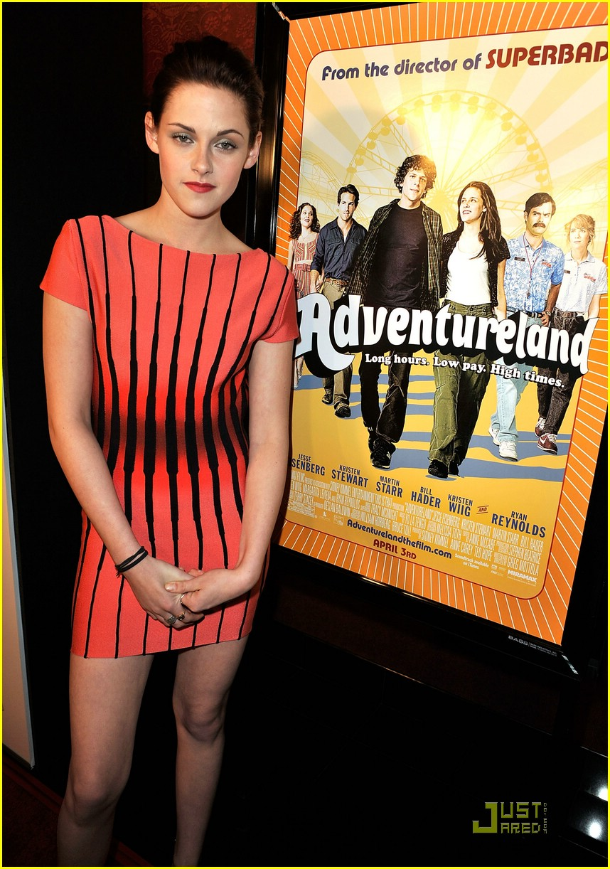 kristen stewart adventureland premiere 03