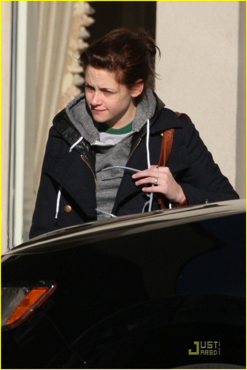 kristen stewart canada cute 05